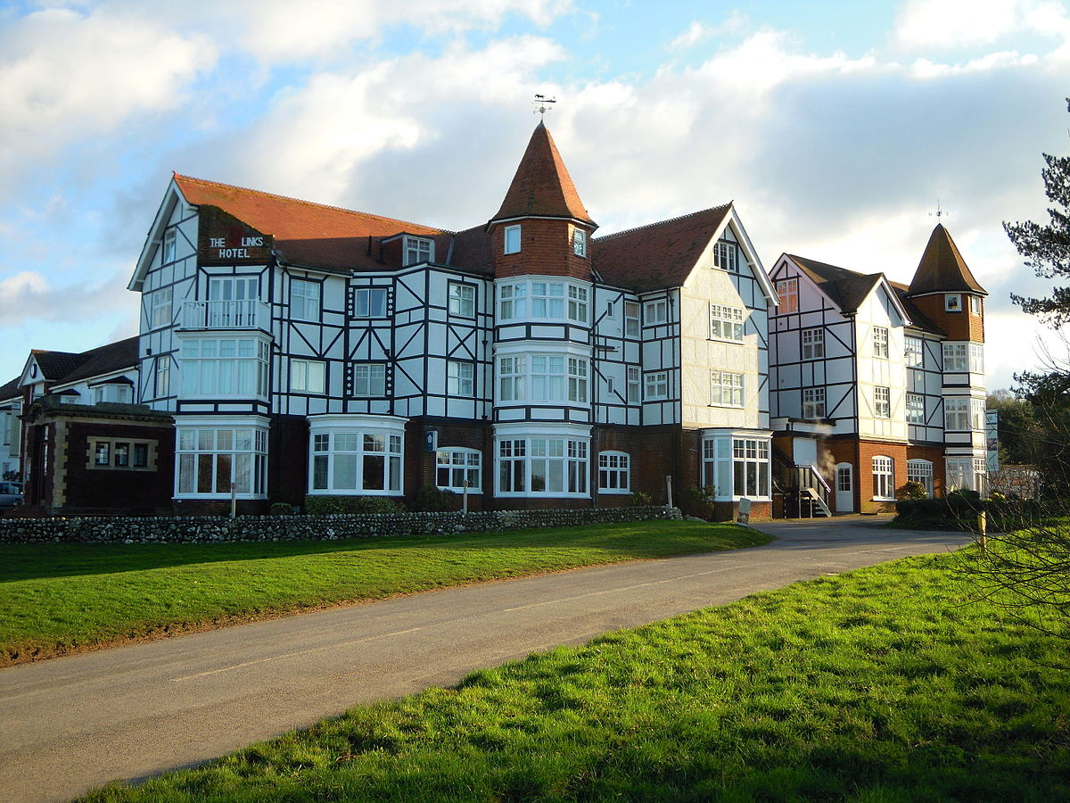 Links Country Park Hotel